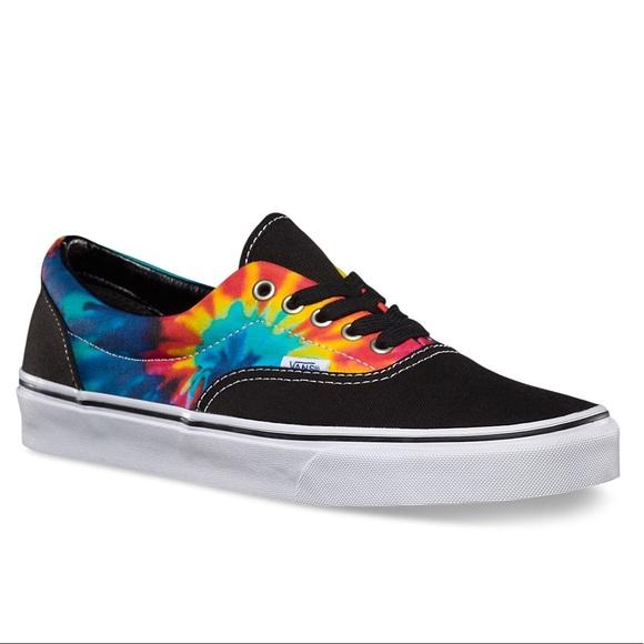 662f45c2048550 VANs Tie Dye classic low top skate shoes. M 5b39b02af63eea444d233308